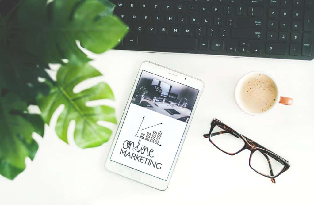 Online marketing with graph on phone